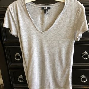 PAIGE gray short sleeve v neck tee